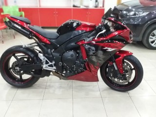 Yamaha R1 ...for sell...whatsapp....+971556543345